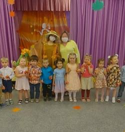 С 26 по 30 октября в нашем детском саду прошли осенние праздники для всех возрастных групп